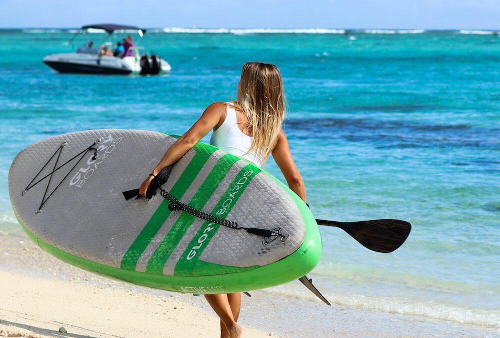 Wie transportiere ich ein aufblasbares SUP Board?